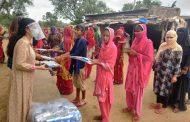 'धरा शक्ति फाउंडेशन' ने की राजस्थान के युवाओं को स्मार्ट फोन वितरित करने की पहल